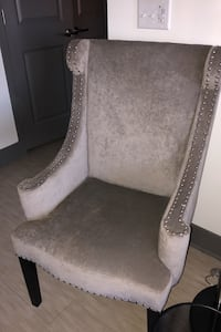 Gray wing back accent chair