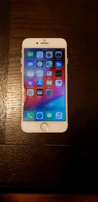 gold iPhone 7 128GB  Norwalk, 06851