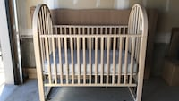 Little Folks solid wood baby crib with mattress Angus, L0M 1B4