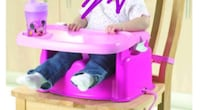 baby's pink mini mouse table chair  London, N5W 4Z7