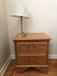 Brown wooden 2-drawer nightstand and lamp Arlington, 22201
