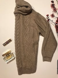 brown sweater London, N6E 2K2