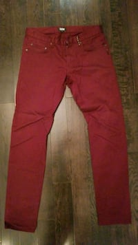 Izzue pants size 30 MENS Burnaby, V5E 1H8