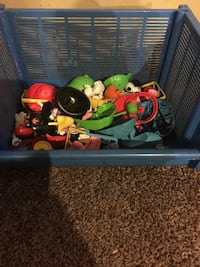 Mr. potato heads with lots of extras  Carbondale, 66414
