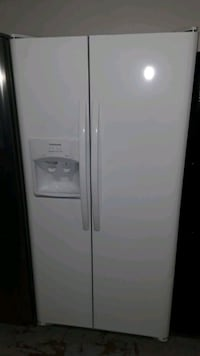 Frigidaire side by side  Mesquite, 75150