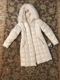 BNWT Laundry women's coat. Size small.