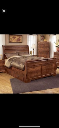 Queen Storage Sleigh Bed  New York, 11435