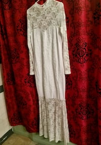 Never been worn White lace dress  Mount Vernon, 75457