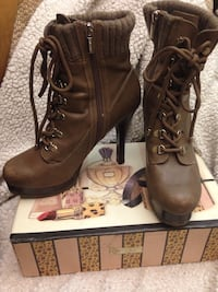 (8) JLo Brown leather booties