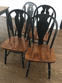 Solid wood chairs set of 4 Mississauga, L5A