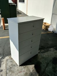 white wooden 4-drawer chest Long Beach, 90805