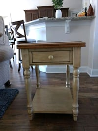 Coffee table and one end table Longs, 29568