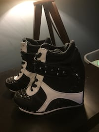 Wedge sneakers  Moncton, E1G 5P3