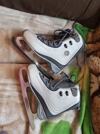 ladies size 6 skates Winnipeg, R2J 0M3