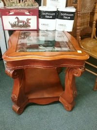 beautiful end table.  we have several other tables Spartanburg