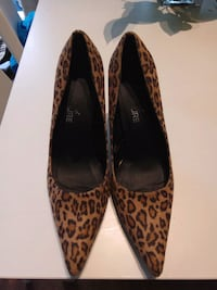 Nice Shoes size 8 Montreal, H4G 2X5