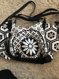Big brand new purse Newmarket, L3Y 7T2