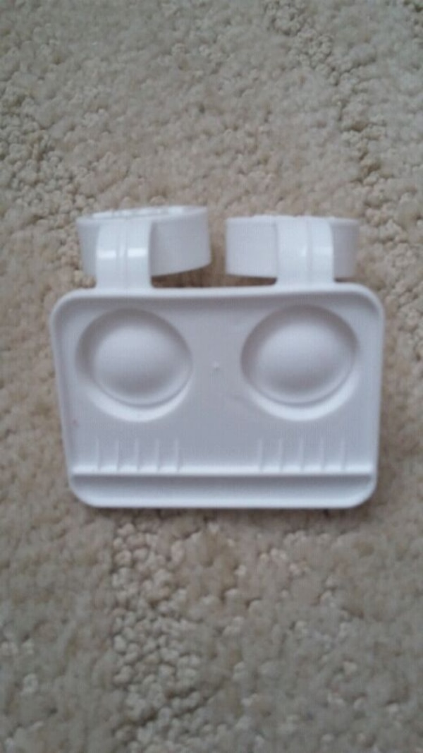 Contacts lens container  19831ad1-8586-42cd-bef8-2d654a573f65