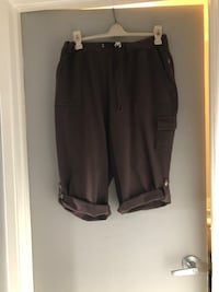 Plus size 18/20 Brown sweat Capri, excellent condition  Edmonton, T6L 4P9