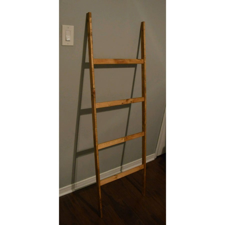 Blanket Ladders b824eedf-67cd-4dc9-9b65-36917092455b