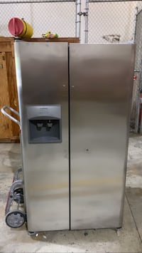 Brand new Refrigerator ready ice maker crushed ice an all will add more picture soon  Windsor Mill, 21244