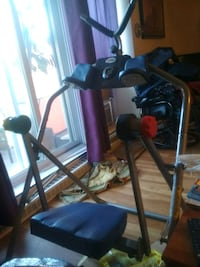 black and gray elliptical trainer Longueuil, J4H 2G5