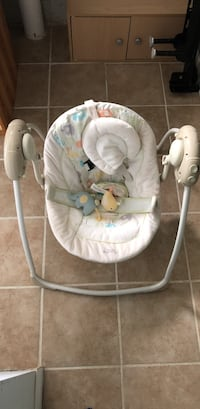 Comfort harmony Cradling Baby Bouncer by Bright Stars Fairfax, 22032