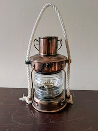 Decorative hurricane lamp