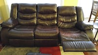 2 sided reclining couch Calgary, T2Y 3G6