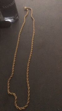 gold chain-link necklace Toronto, M4M 1S6