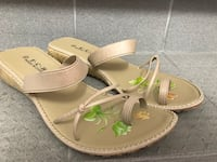 """Apricot"" Sandals Size 10.5 Montreal, H2Z"