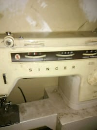 white Singer sewing machine Charlotte, 28214