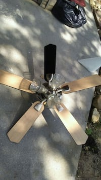 Small ceiling fan with reversable blades. Knoxville