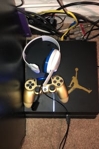 Game console controller and headset