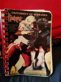 1990 football media guide Lincoln, 68502