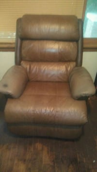 brown leather recliner sofa chair Topeka, 66616