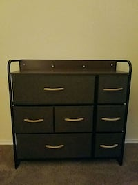 Tusy chest drawer