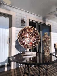 Pier one glass mosaic decorative plate with stand and matching vase Chesapeake, 23320