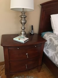 Queen bedroom set mattress not included 2night stands 6 drawers and armour with mirrors! Negotiable ! Toronto, M6L