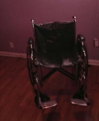 gray and black wheelchair