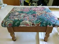 Upholstered foot stool has hinged top for storage Colonie, 12205