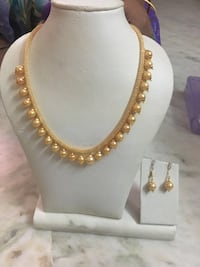 gold-colored chain necklace Burnaby, V5H 1T5
