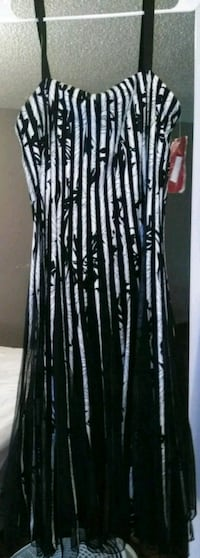 Bloomingdale's dress New with tags Abilene