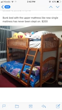 Wood bunk beds with ladder Markham, L3R 8A6