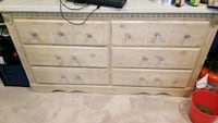 Solid wood Dresser Great Condition Manassas, 20109