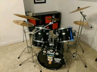 Pearl Drums with Cymbals Huntsville
