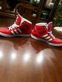 Adidas Shoes Size 9.5 Narol, R1C 0C7