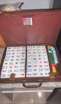 Mahjong set with breifcase