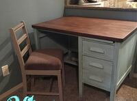 Solid wood desk (chair not included) Albuquerque, 87120