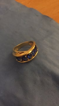 gold-colored ring with clear gemstone Everett, 98204